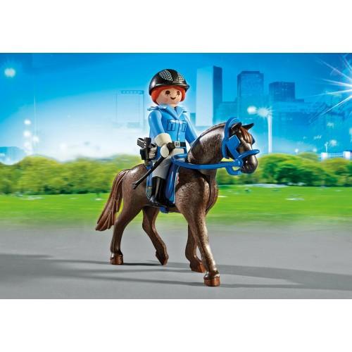 6922 Policía con caballo y remolque