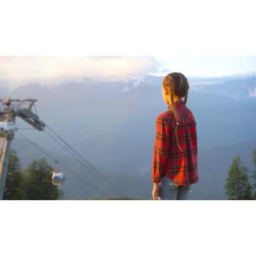 Camiseta de Niña Grifone Red Mountain
