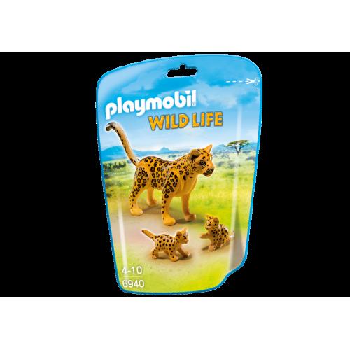 6940 Leopardo con crías